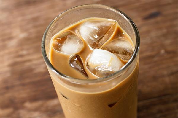 Кофе холодный с молоком